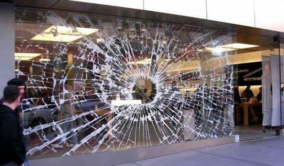 Apple Store Window: Broken Glass Window Decal to promote the iPod Hi-Fi